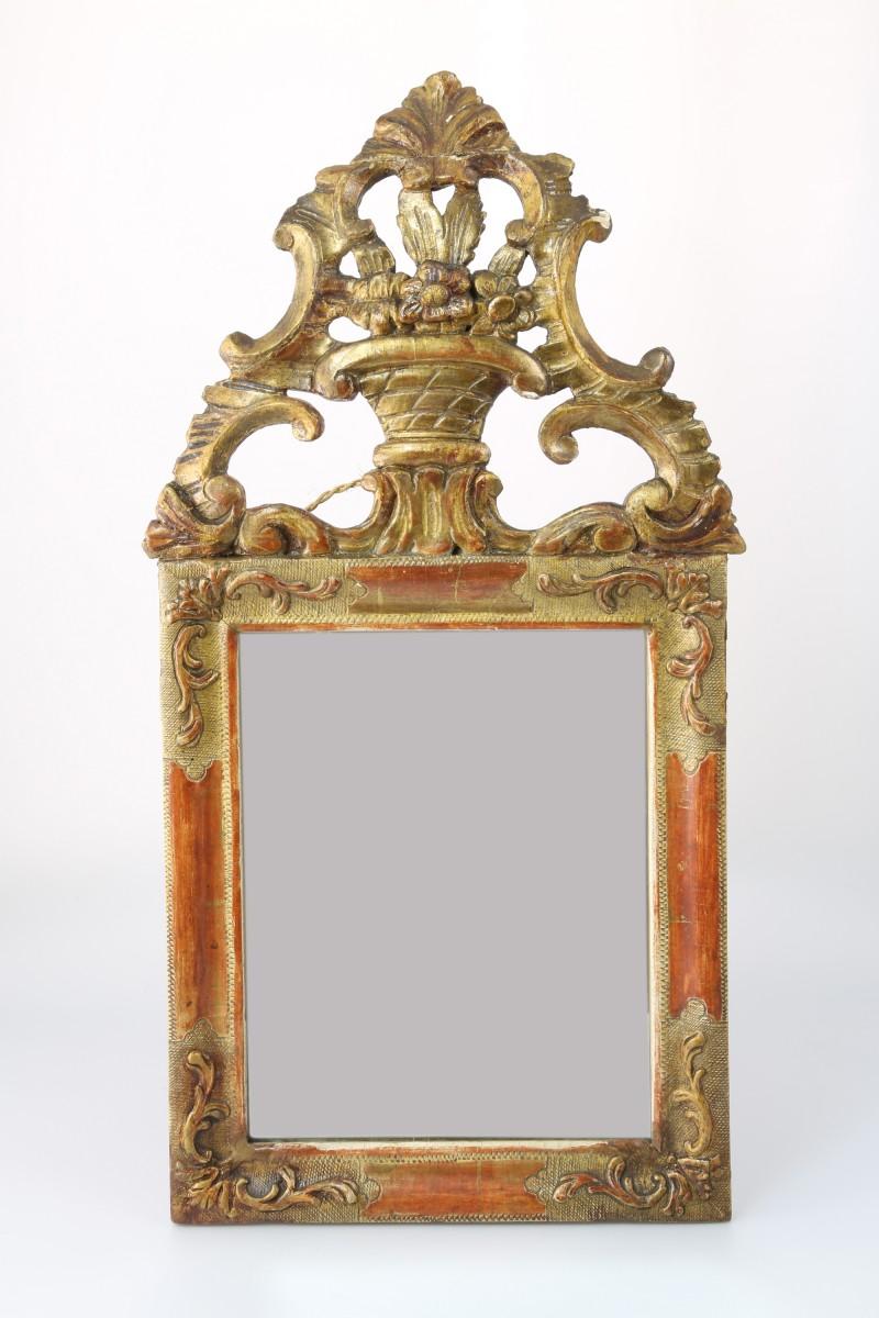 Rokokkospeil 1700 tallet. H. 57 cm - B29 cm. Kr. 9500